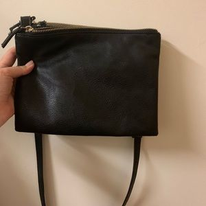 black purse (chained)